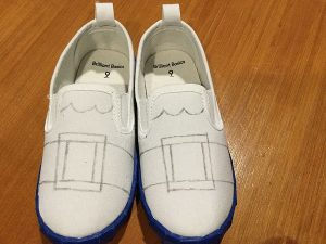 Pencil design on canvas Santa shoes